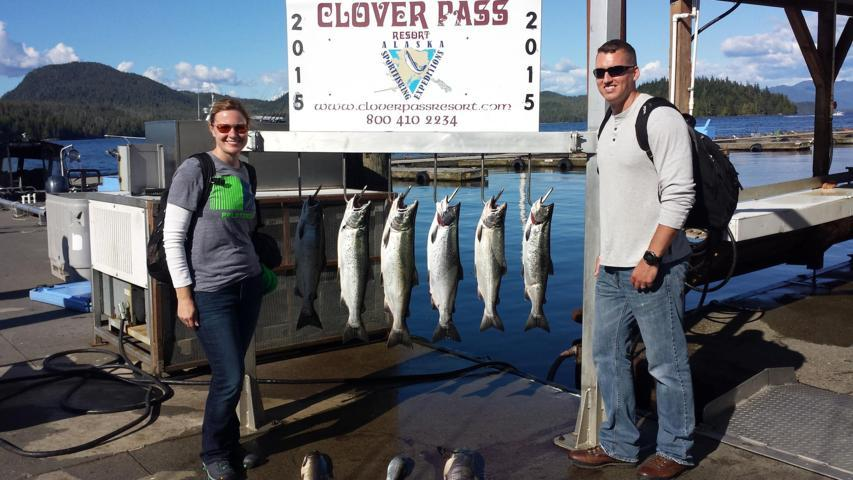 ketchikan salmon fishing anglers with catch